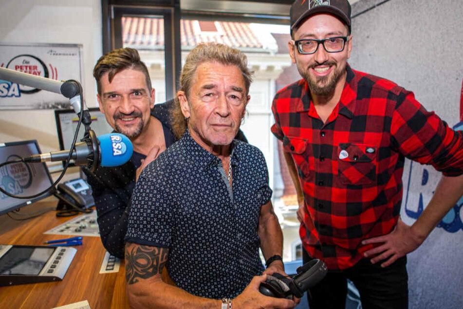 Gemeinsam mit Daniel Neumann (g.r., 33) wird der Kult-Rocker die Show moderieren.