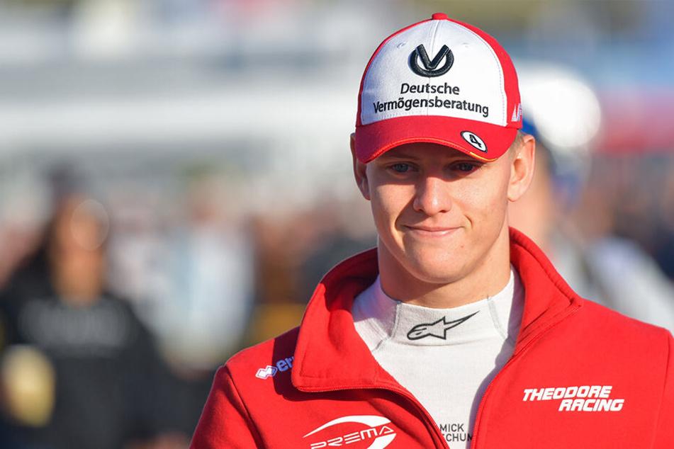 Ferrari-Vertrag unterschrieben: Mick Schumacher auf den Spuren seines Vaters!