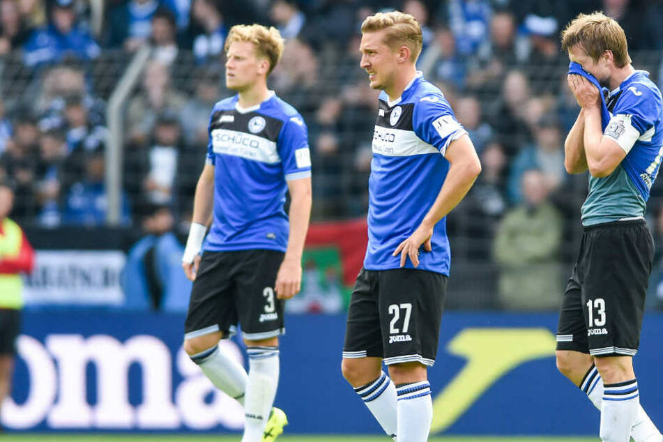 Brian Behrendt (li.), Konstantin Kerschbaumer (mi.) und Kapitän Julian Börner (re.) waren sichtlich entsetzt nach dem MSV-Spiel.