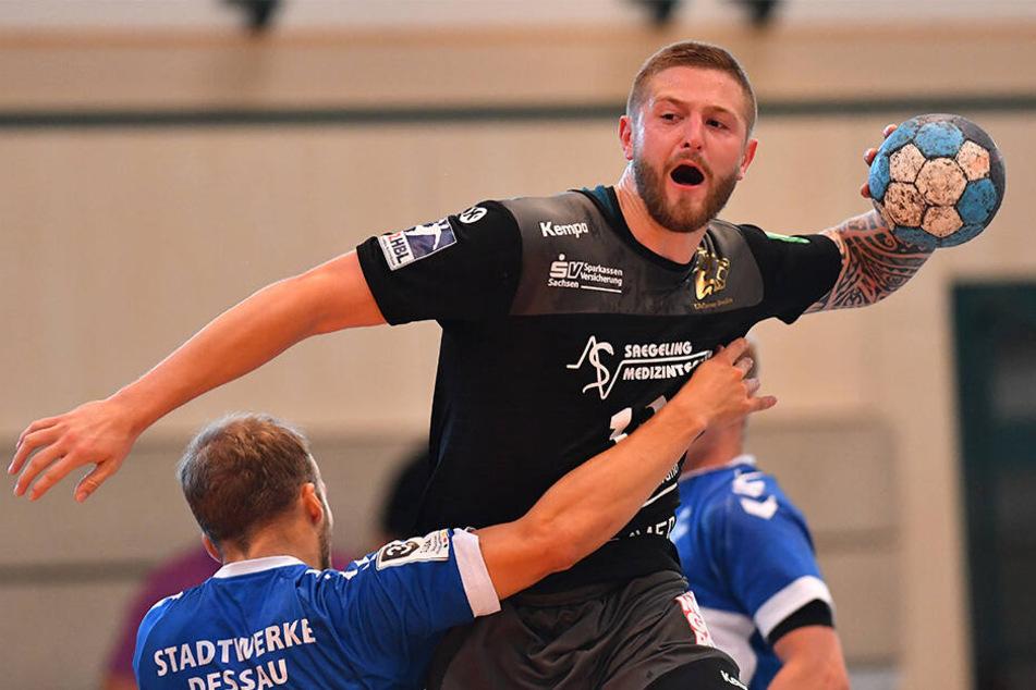 Mindaugas Dumcius steigt am höchsten und zieht ab. Der litauische Nationalspieler hat sich in Dresden und beim HC Elbflorenz gut eingelebt, erzielte bisher 22 Feldtore für seinen neuen Verein.