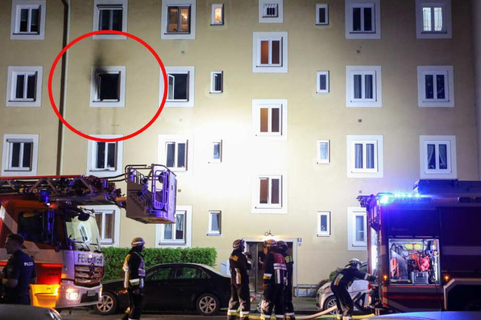 Teenager springt aus Fenster, um Feuertod zu entgehen