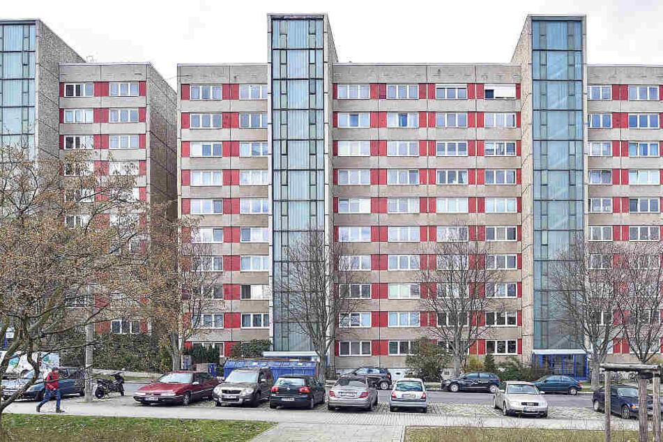 Hochschulstraße 40: Seit Tagen ist in dem Zehngeschosser der Vonovia die Liftanlage defekt.