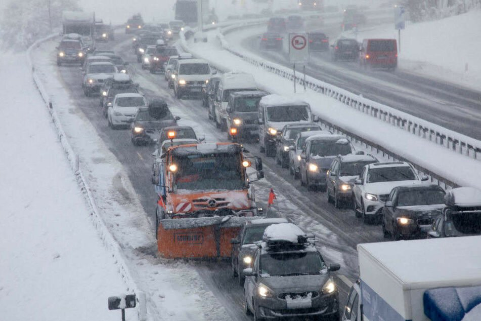 Verletzte bei Massenkarambolage: Autobahn A20 gesperrt!