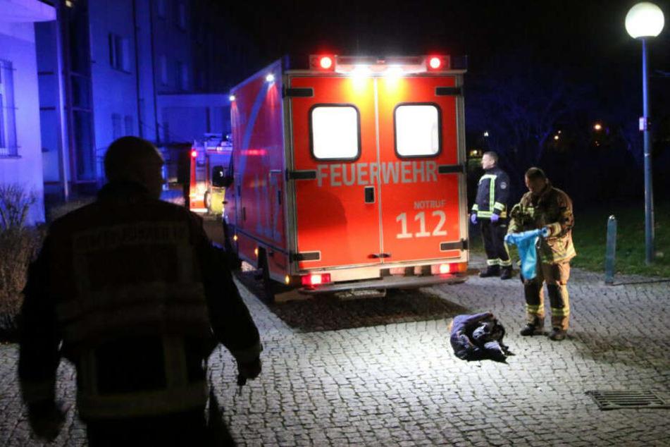 Ein Mann ist bei dem Sturz ums Leben gekommen.