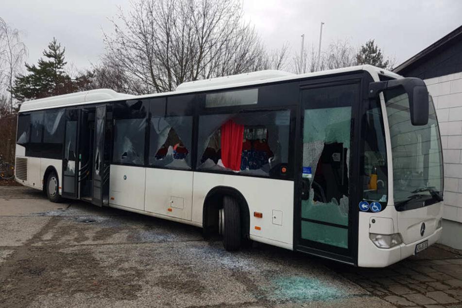 So richtete der Jüngling (21) den Bus zu.