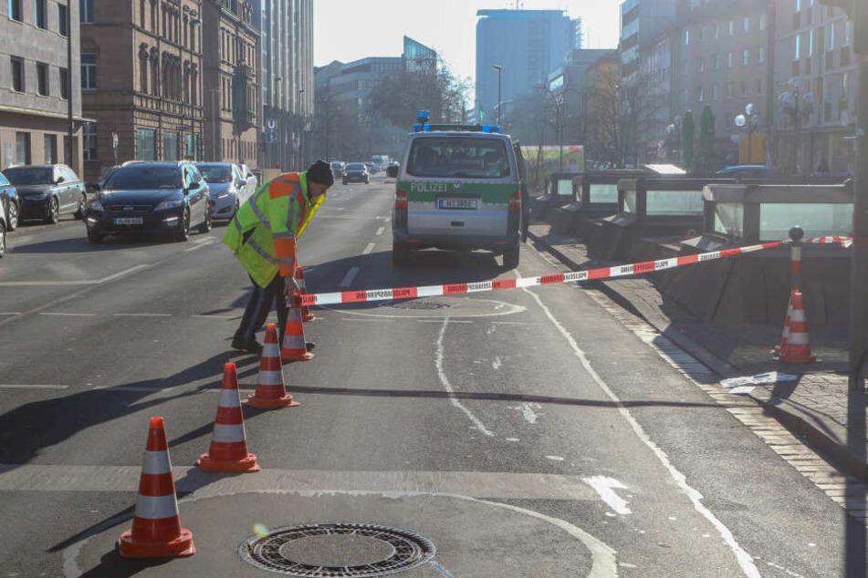 Die Polizei sperrte einen Streifen der Früher Straße ab.