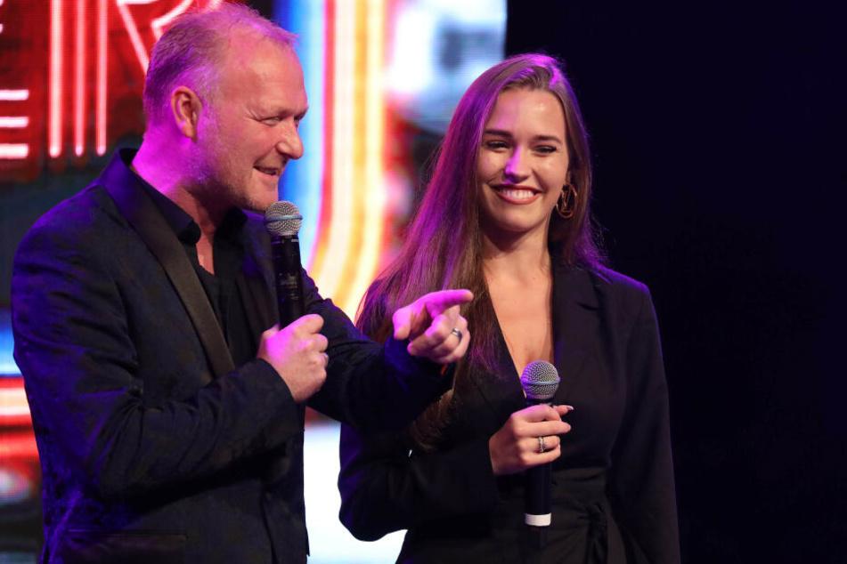 Im September moderierte Laura Müller bereits einen Auftritt von ihrem Michael an.