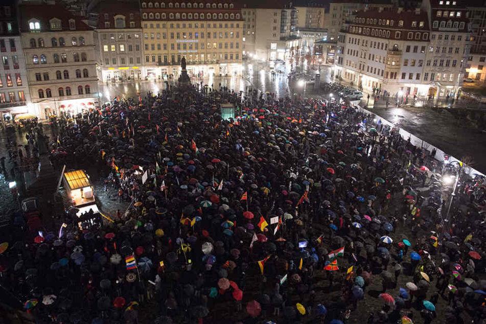 Der Neumarkt am 22.02.2016. An diesem Tag wurde einer Demonstrantin die Rippe gebrochen.