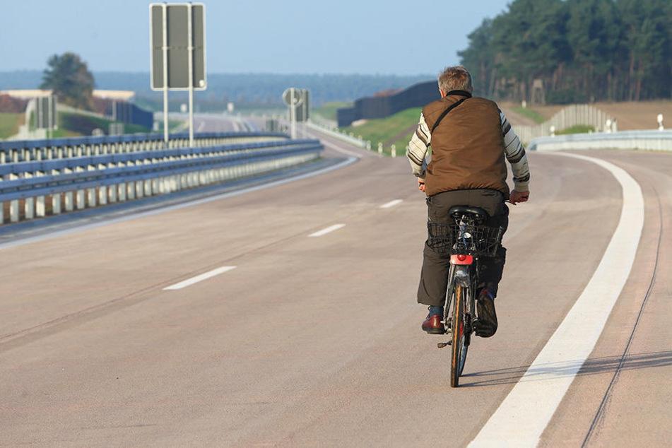 Der 14-Jährige gab an, das Navi habe ihn zur Autobahn geführt. (Symbolbild)