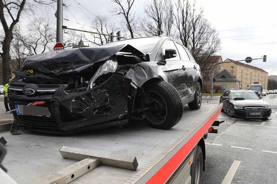 Eine Person wurde durch den Unfall verletzt.