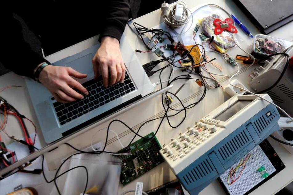 Sicherheitslücken in der Software machen Dritten den Zugang zu fremden Rechnern leicht.