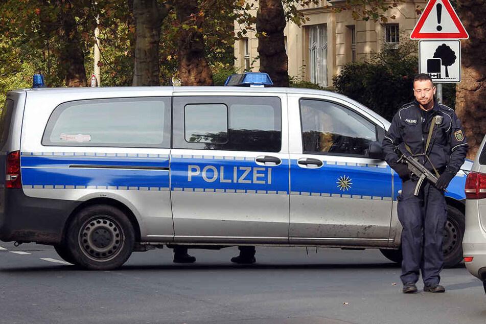 Großeinsatz der Polizei am Montag in Leipzig. An elf Schulen herrschte Amok-Alarm.
