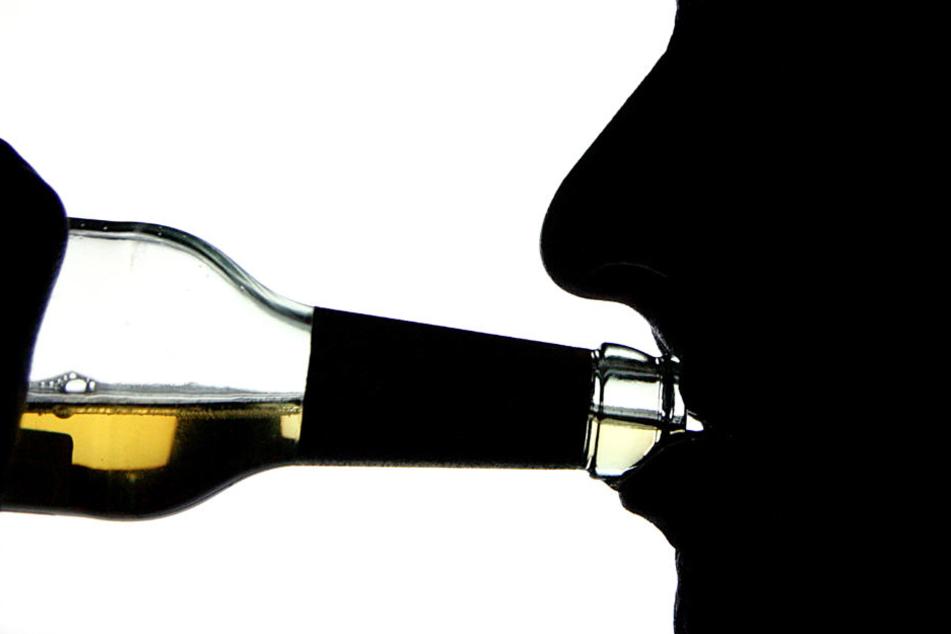 Ein Betrunkener landet gleich zweimal wegen Verletzungen in derselben Nacht in einer Klinik. (Symbolbild)