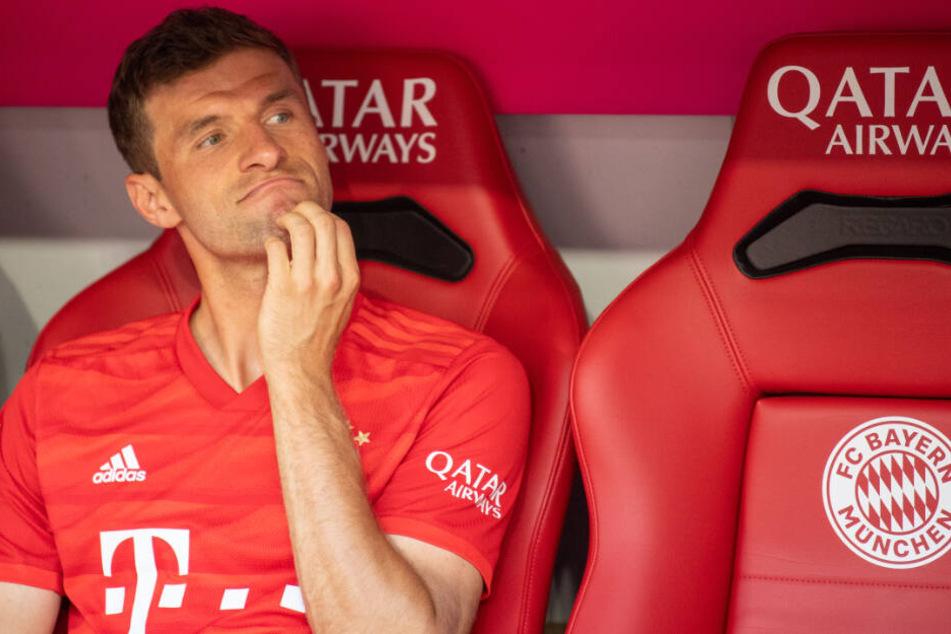 Droht Thomas Müller beim FC Bayern München ein Platz auf der Bank?