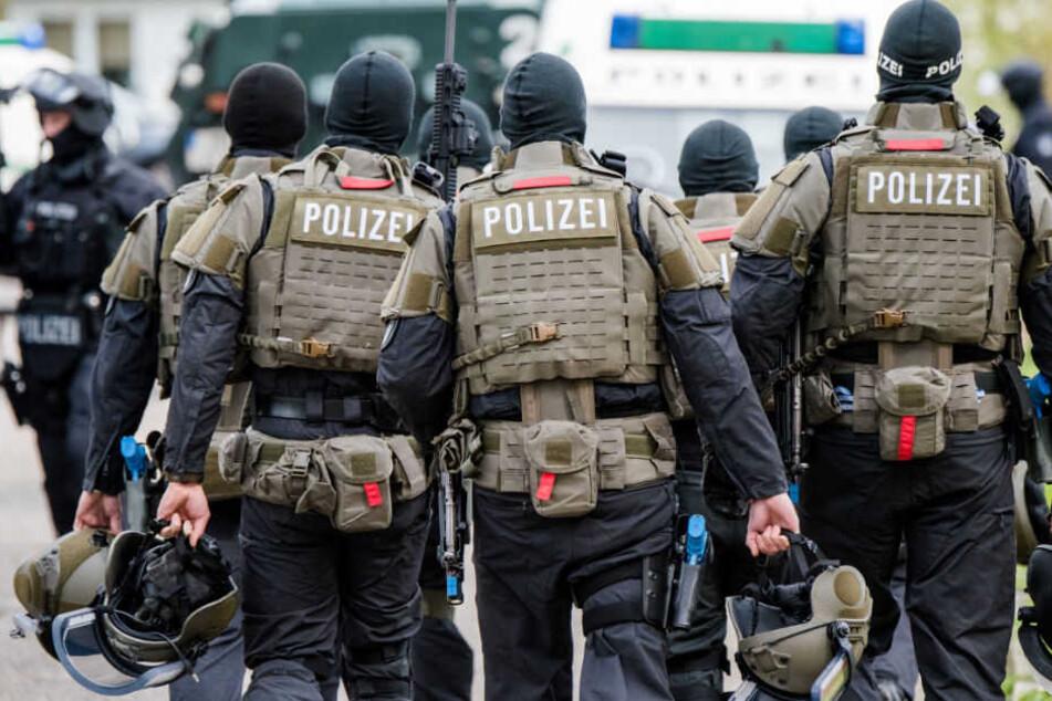 Die Polizei und ein SEK konnten zwei Drogendealer festnehmen. (Symbolbild)