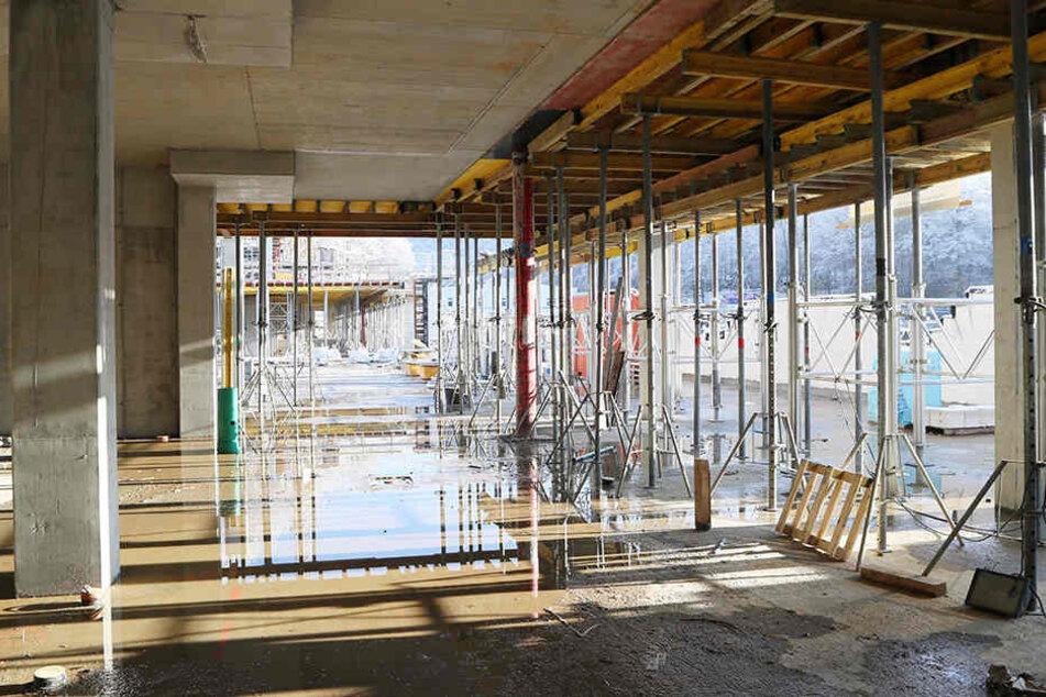 Ein Blick vom Inneren der Haupttribüne in den Gästebereich.