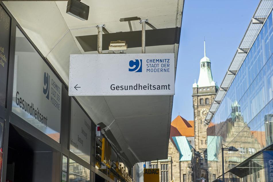 Derzeit ist das Gesundheitsamt (Am Rathaus 8) in diesem Gebäude nahe Galeria Kaufhof. Die Miete halten viele Stadträte für zu hoch.