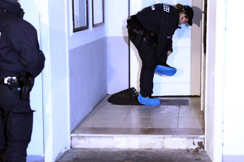 Die Wohnungen der Verdächtigen wurden am Mittwoch durchsucht. (Symbolbild)