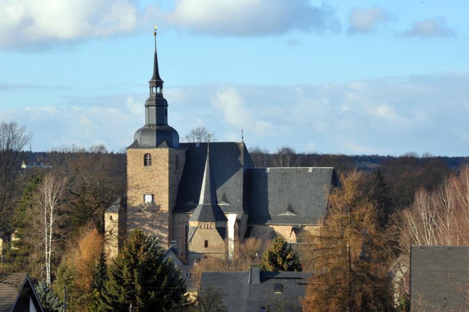 Die Stiftskirche in Ebersdorf ist der Ausgangspunkt für die Wanderung.