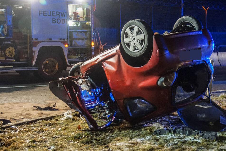 Böblingen: Kleinwagen-Fahrer überschlägt sich