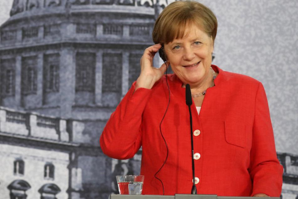 Kanzlerin Angela Merkel (63, CDU) darf sich über eine Gehaltserhöhung freuen.