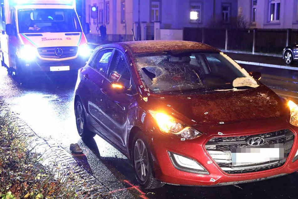 Schlimmer Unfall in Radebeul: Hyundai-Fahrerin fährt Fußgängerin tot