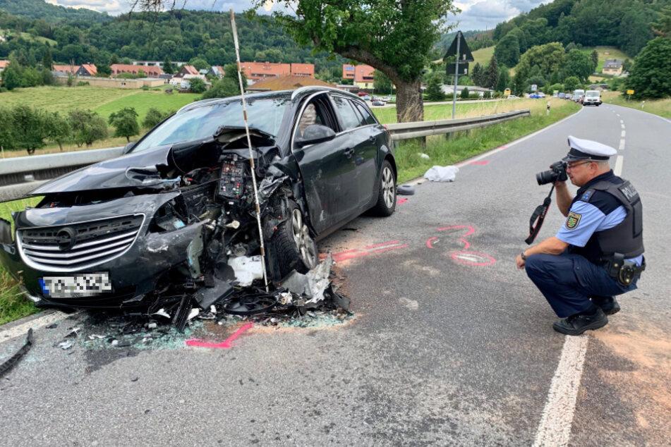 Auch der Opel wurde beschädigt.