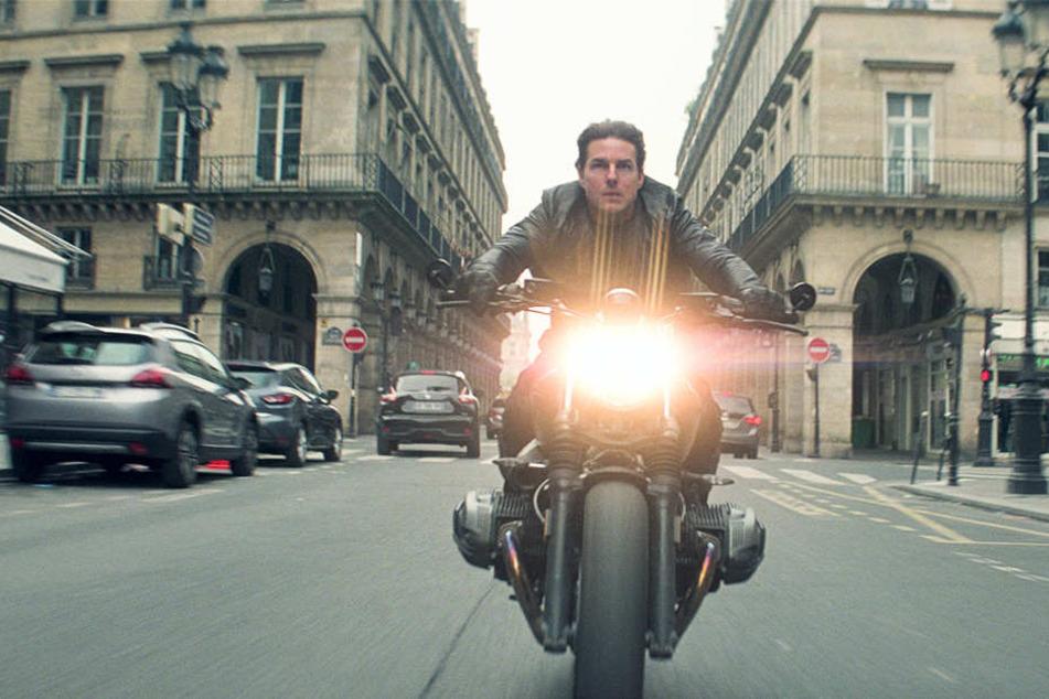 Ethan Hunt (Tom Cruise) darf wieder aufs Motorrad steigen und in vollen Tempo durch die Stadt düsen.