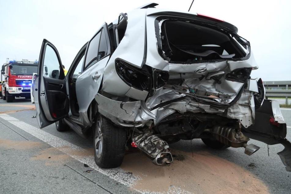 Das Heck des Hyundais war nach dem Aufprall komplett zerstört.
