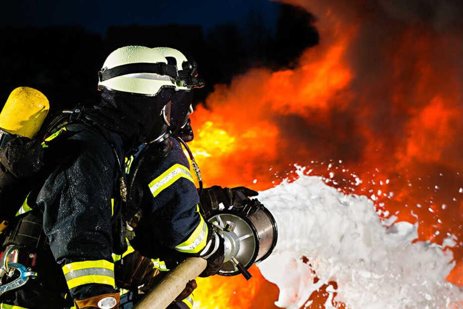 Einsätze mit der Feuerwehr sorgen bei einer jungen US-Amerikanerin für einen Adrenalinschub. (Symbolbild)