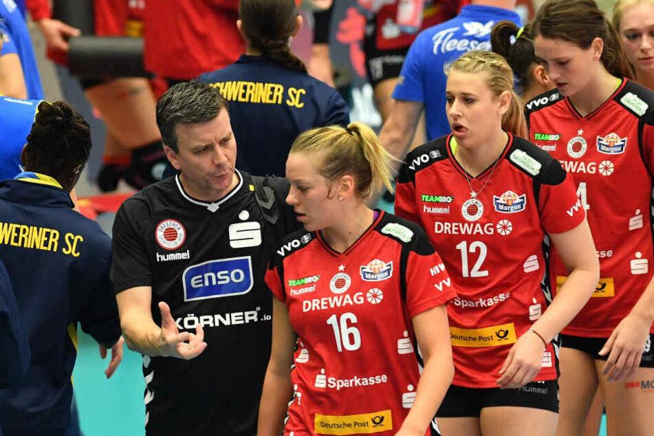 Alexander Waibl (li.) und Katharina Schwabe (Nummer 16) sind vom Sieg gegen Stuttgart überzeugt.
