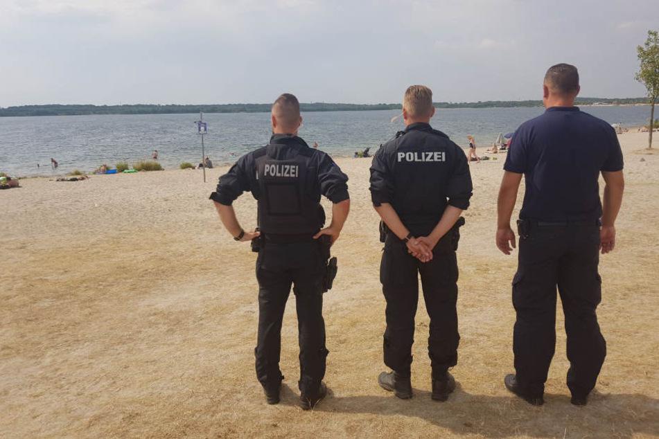 Da staunten die Badegäste nicht schlecht: Am Donnerstag zeigten die Ordnungshüter sowohl am Cossi als auch am Markkleeberger See Präsenz.