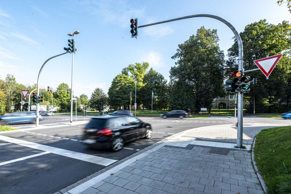 Der grüne Pfeil an der Kreuzung Zschopauer Straße/Ritterstraße wurde Ende August auf die nicht immer aufleuchtende elektronische Variante umgestellt.