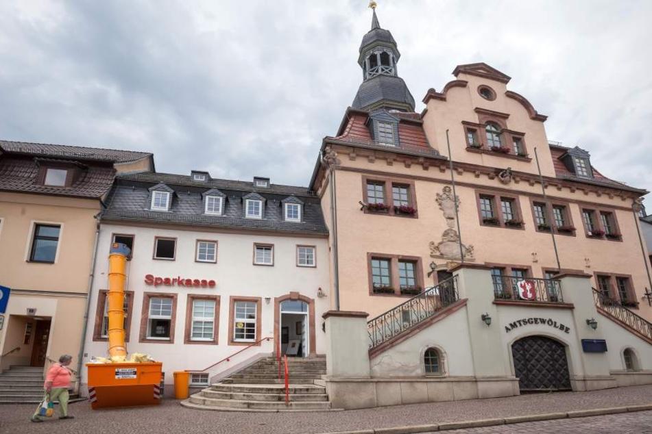"""Ausgerechnet in der Festwoche """"125 Jahre Sparkasse Waldenburg"""" wurde die Geschäftsstelle geflutet."""