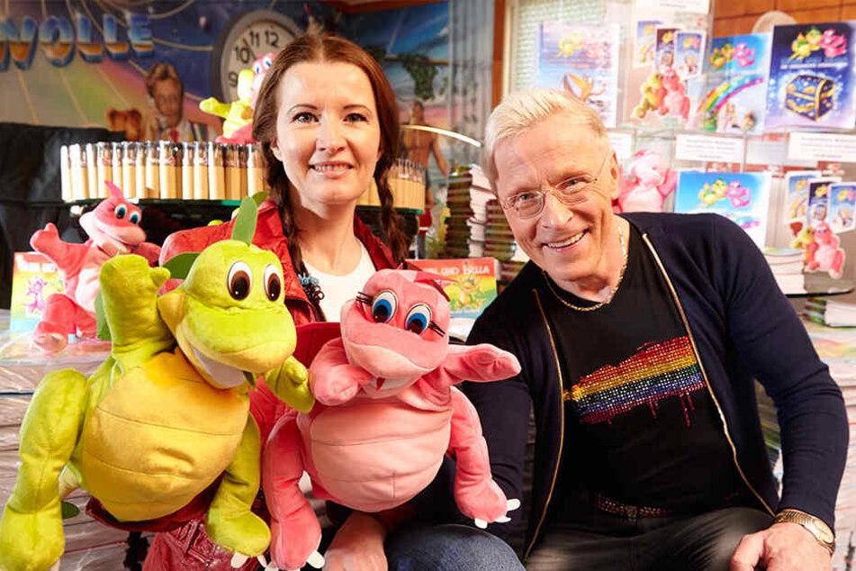 Drachen-Mama Andrea Banansinki (40) und Wolle Förster (62) wollen mit den Drachen Blubi und Bella Kinderherzen erobern.