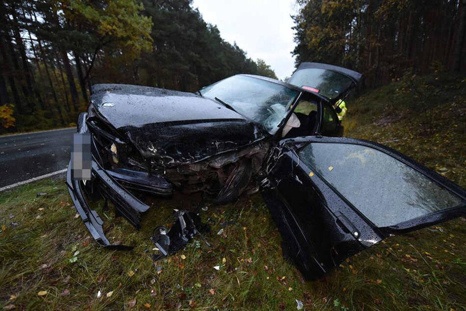 Dreier-Crash bei Regen: Zwei Verletzte
