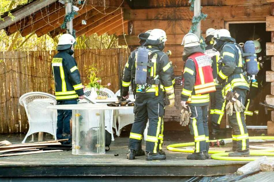 Flammen auf Bauernhof fordern Großeinsatz der Feuerwehr