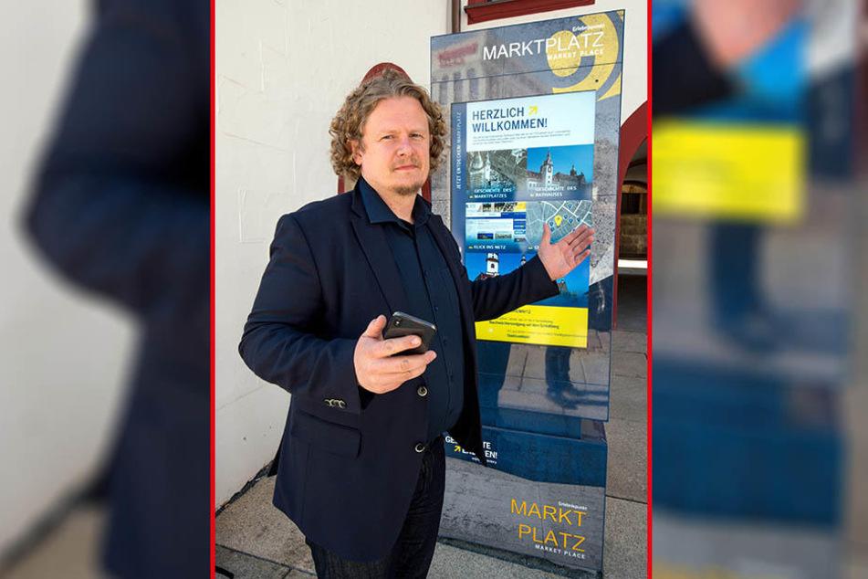 Beschwert sich über moderne Info-Stelen ohne WLAN: Stadtrat Lars Fassmann (40).