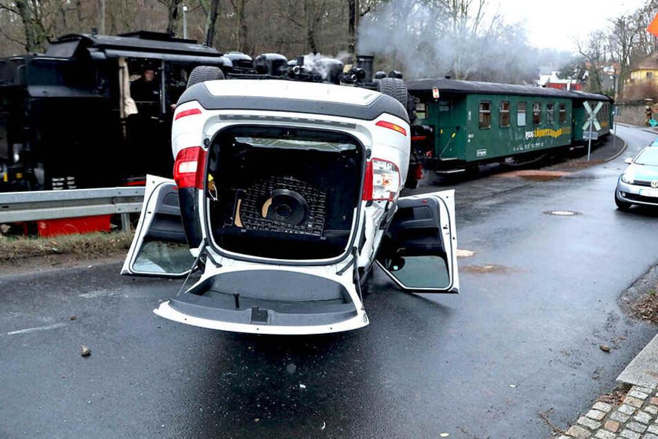 Am Wagen entstand Totalschaden.