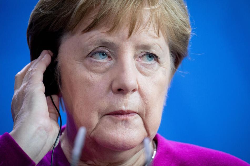 Zuvor hatte Merkel bereits angekündigt, sich nach dem Ende der Legislaturperiode 2021 ganz aus der Politik zurückzuziehen.