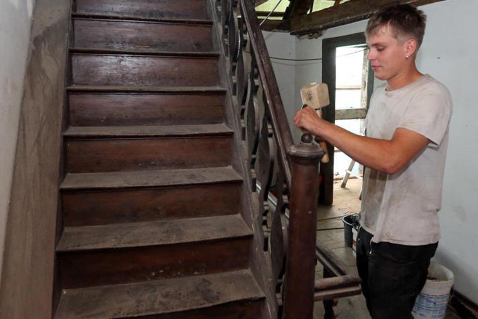 Die Holztreppe wird einer aus Stahl weichen.