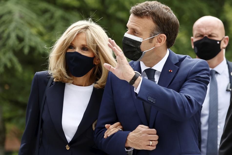 Emmanuel Macron (43) mit seiner Frau Brigitte (63). Die landesweiten Regionalwahlen gelten als Stimmungstest für die kommende Präsidentschaftswahl im Frühjahr 2022.