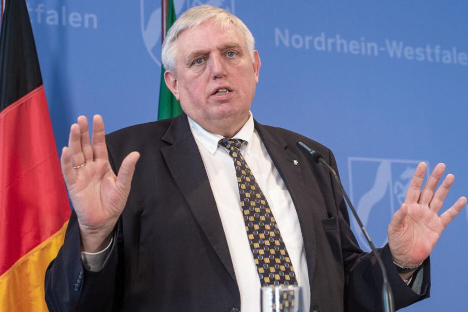 NRW-Gesundheitsminister Karl-Josef Laumann (62) äußerte sich zur Schließung dreier Apotheken in Köln.