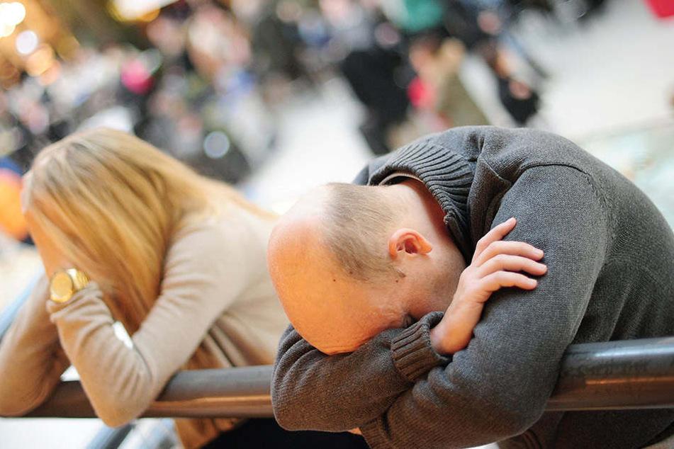 Am Flughafen Schönefeld brauchten die Passagiere am Samstag Geduld. (Symbolbild)