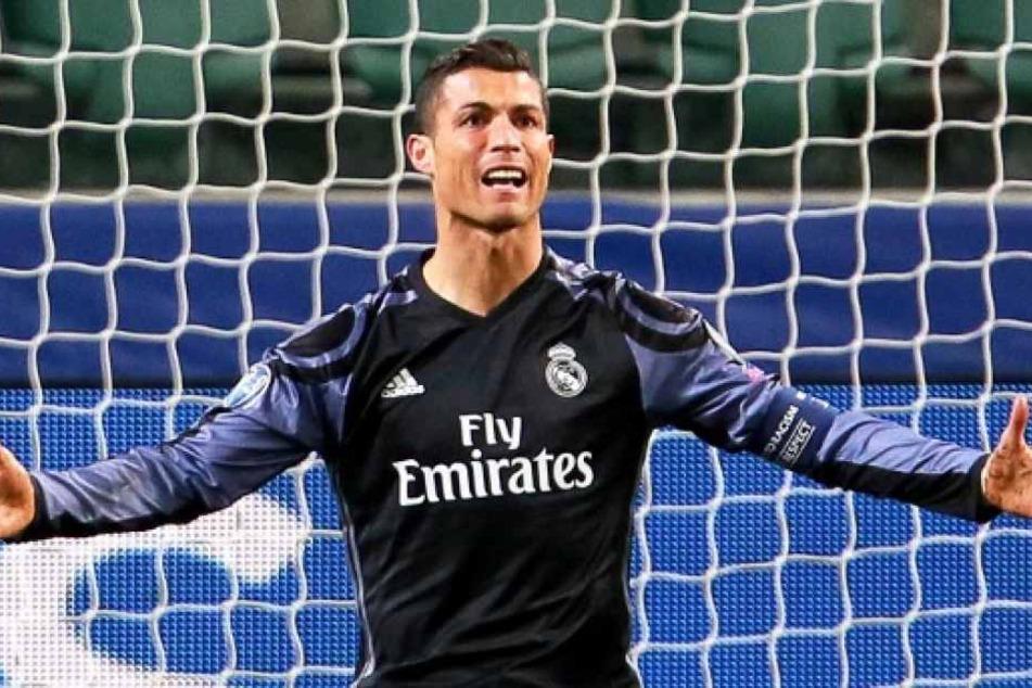 Sehen Fußballfans Cristiano Ronaldo und Co. ab nächster Saison nicht mehr im Free-TV? In England ist das Horror-Szenario bereits Realität.