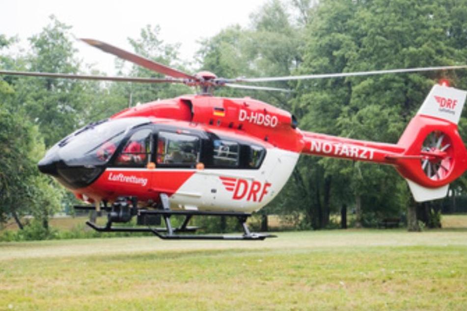 Die junge Frau wurde mit einem Rettungshubschrauber ins Krankenhaus geflogen. (Symbolbild)