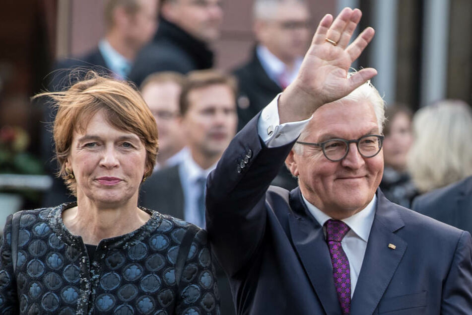 Bundespräsident Frank-Walter Steinmeier und seine Frau Elke Büdenbender wurden freundlich empfangen.