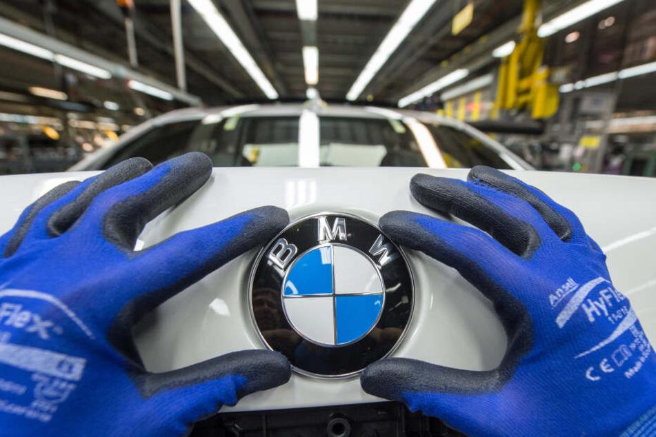 Die Personalabteilung von BMW überprüft nun den Vorfall. (Symbolbild)
