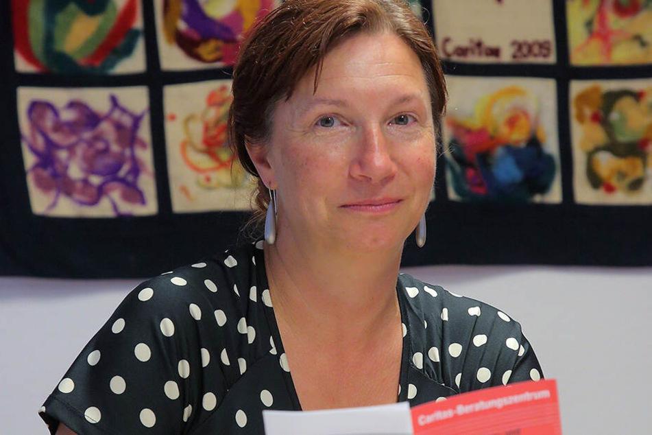 Jana Schulze-Rehagel arbeitet bei der Schuldner- und Insolvenzberatung der Caritas in Dresden. Mit 30.636 Euro stehen die sächsischen Schuldner im Schnitt in der Kreide.