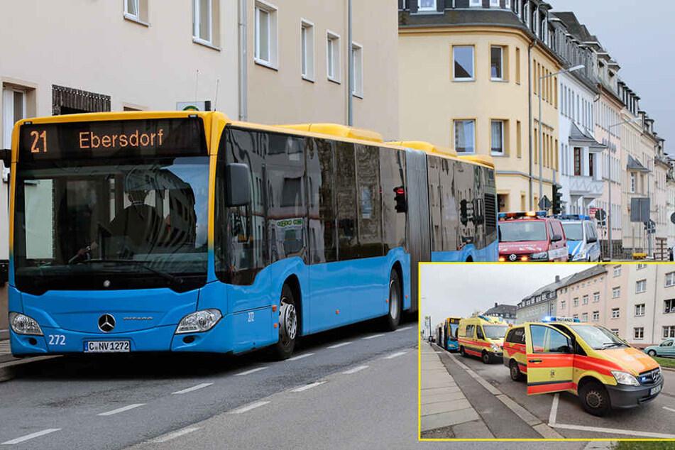 Reizgas-Attacke in Bus: Zehn Fahrgäste verletzt, darunter ein Baby
